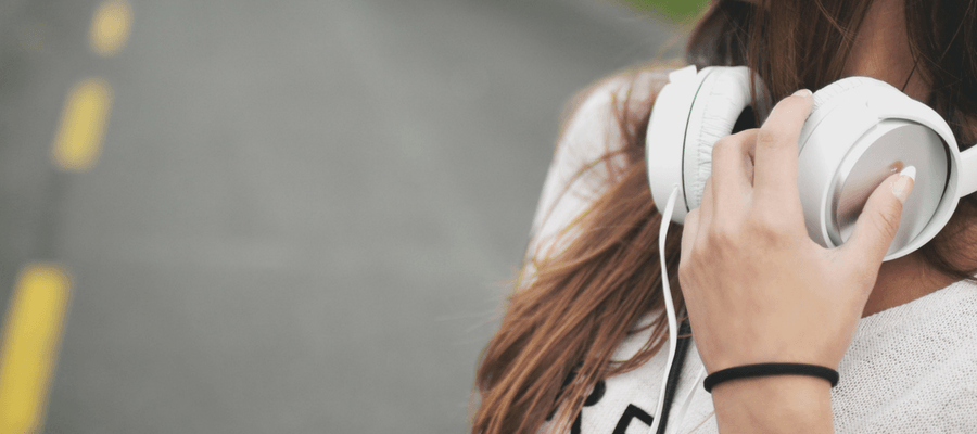 What I'm Listening to Right Now + How to Get Through A Long Commute